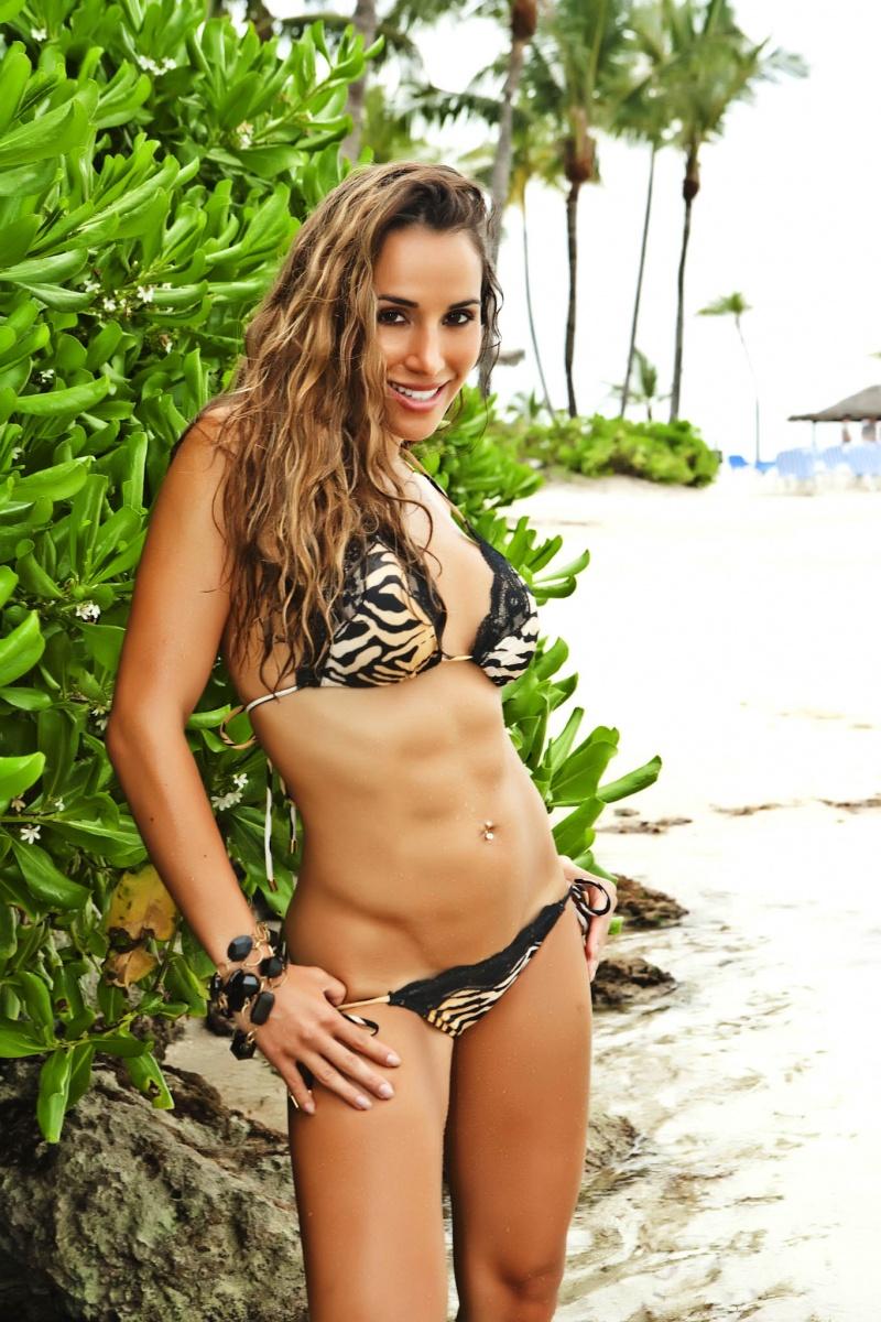 Female model photo shoot of Jazmin Siguenza