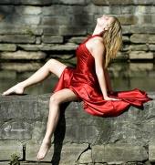 http://photos.modelmayhem.com/photos/101017/03/4cbad699e670e_m.jpg