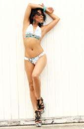 http://photos.modelmayhem.com/photos/101019/09/4cbdc7c099695_m.jpg