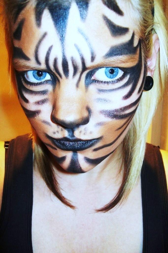 Oct 20, 2010 Tiger makeup