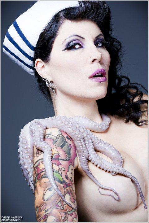 Female model photo shoot of Sandra Lastel
