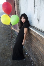 http://photos.modelmayhem.com/photos/101021/13/4cc0a0882afb8_m.jpg