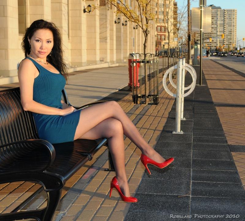 http://photos.modelmayhem.com/photos/101022/09/4cc1bd1d04376.jpg