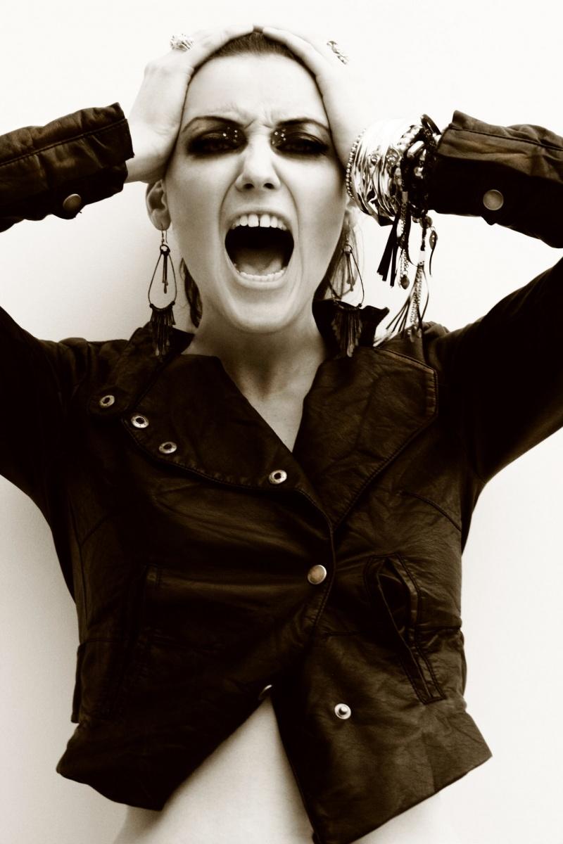 Female model photo shoot of laura hitchings