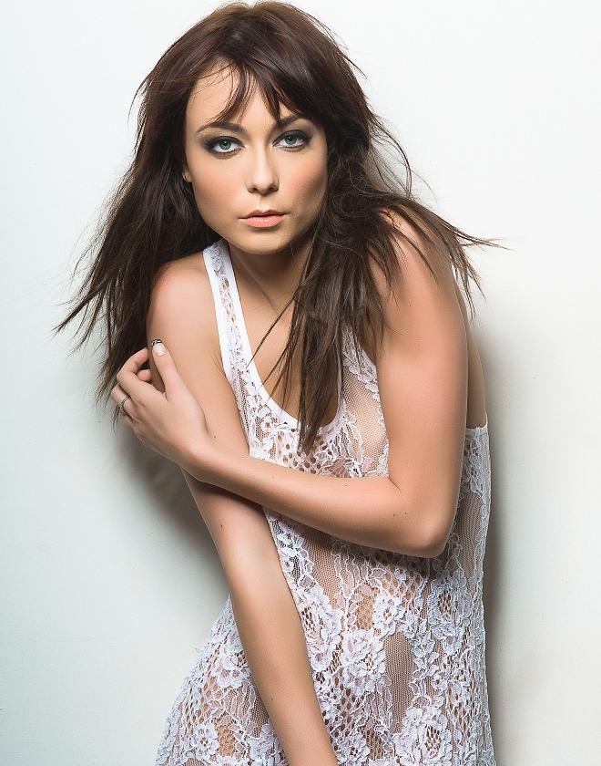 Female model photo shoot of makeup Cecret