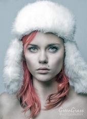 http://photos.modelmayhem.com/photos/101024/05/4cc425bbef556_m.jpg