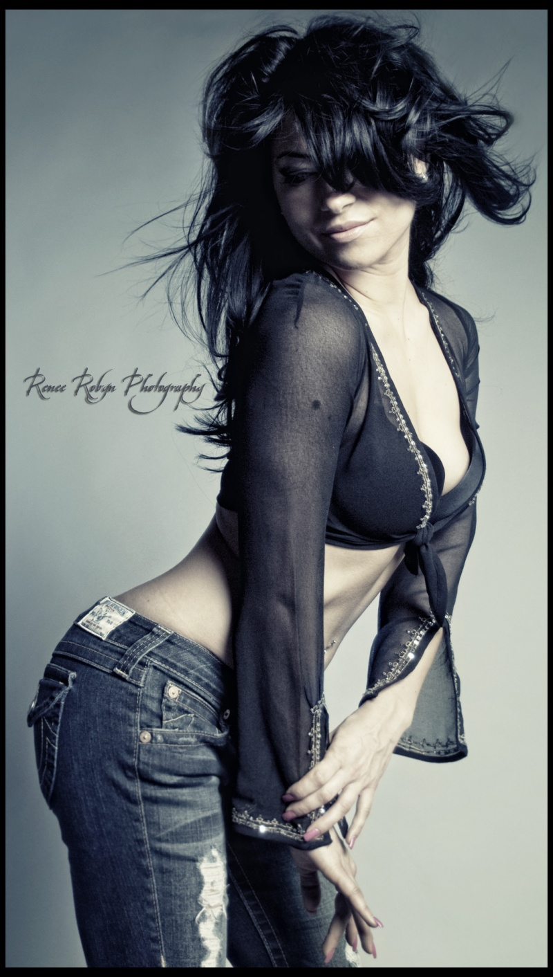 Female model photo shoot of Renee Robyn Photography in Edmonton