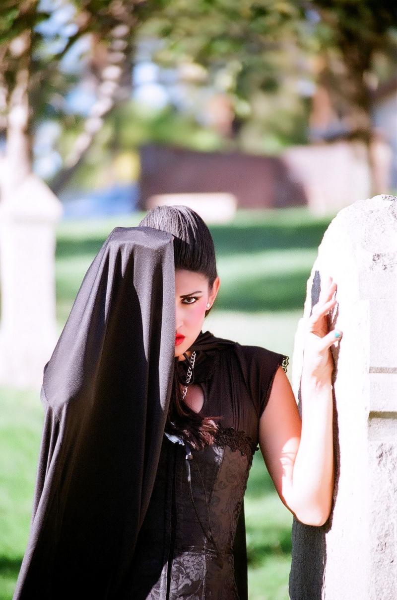 Cemetery Oct 27, 2010 Steve Arebalo The Dark Mistress / Autumn / 511