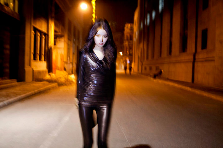 Shanghai Oct 28, 2010 ©www.matthieubelin.com Shanghai Fashion Designer Simon Wang