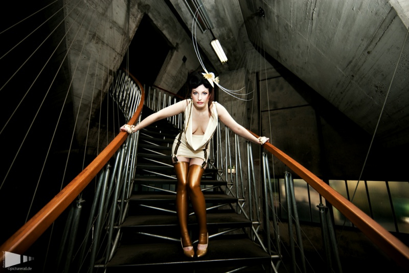 Nov 01, 2010 Photographer: Bommi La Cucaracha Latex