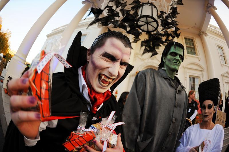 Washington DC Nov 02, 2010 Associated Press Halloween 2010 at The White House