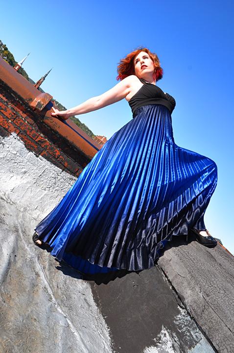 Dubuque, IA Nov 04, 2010 Bear Dancer Studios 2010 Holly - Learning to fly