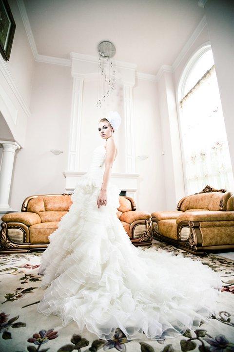 Nov 05, 2010 Jun Ying Photography Wedding Dresses by Lulu Yin