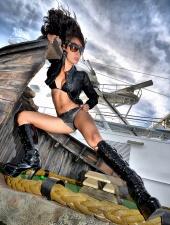 http://photos.modelmayhem.com/photos/101108/23/4cd8f9d6954ae_m.jpg