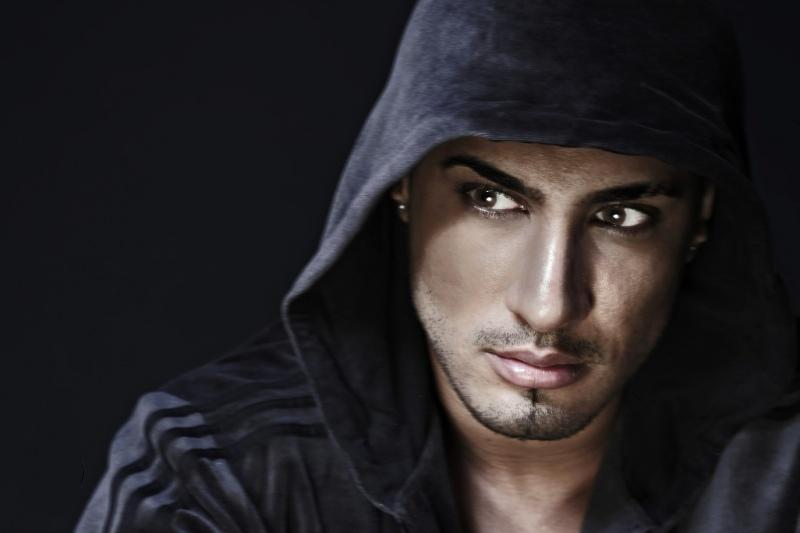 Male model photo shoot of Mun Dhariwal by CreativePool