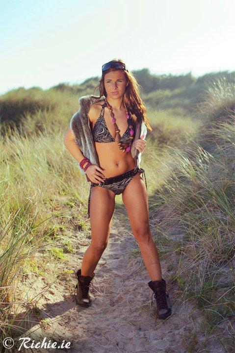 Female model photo shoot of Dorothy Mars
