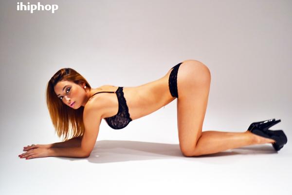 Female model photo shoot of PrettyParis