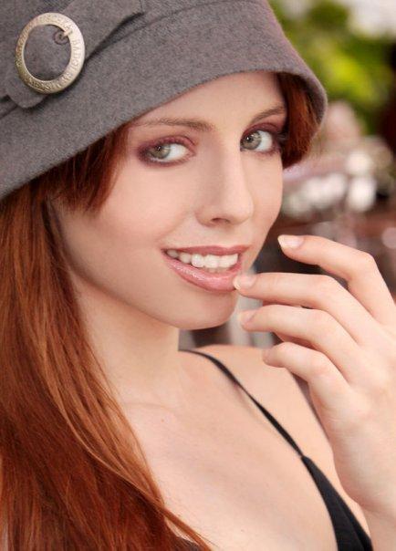 Miami, FL Nov 13, 2010 Samantha Pollara & John Fisher - 2009 My Dog Ate This Hat - RIP hat