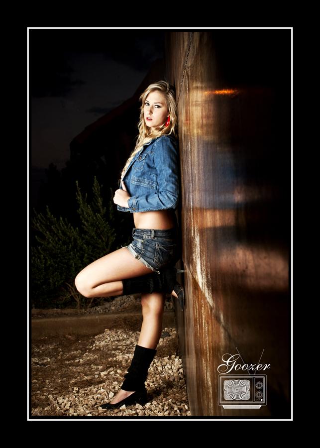 Nov 14, 2010 Goozer Vison Photography Megan B Mayhem