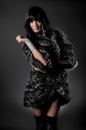 http://photos.modelmayhem.com/photos/101116/08/4ce2b45cd2162_m.jpg