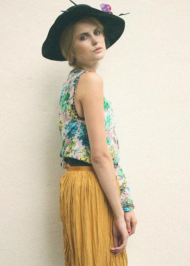 Female model photo shoot of Tania Anna in London