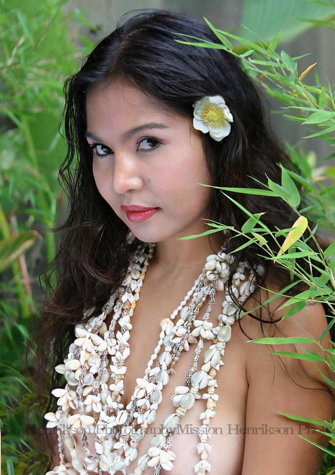 Oakland Nov 20, 2010 Jazmine Joyce Jiminez Hawaiian Style