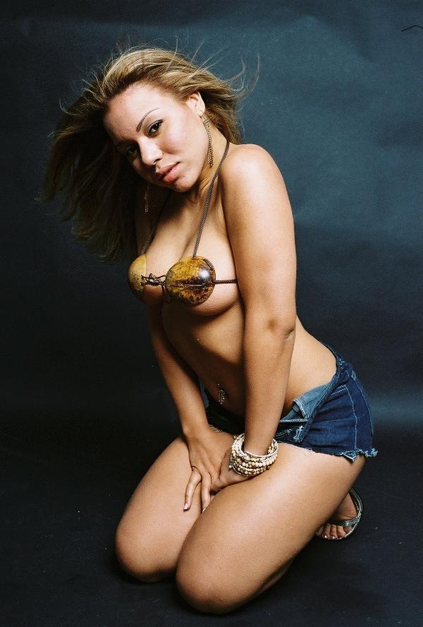 Female model photo shoot of Meah Velez