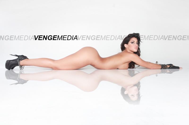 VENGE STUDIOS Nov 27, 2010 © VENGEMEDIA 2010 CLAUDIA