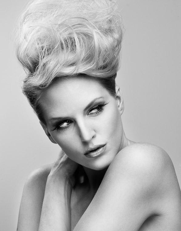 http://photos.modelmayhem.com/photos/101128/23/4cf3542abda7f.jpg