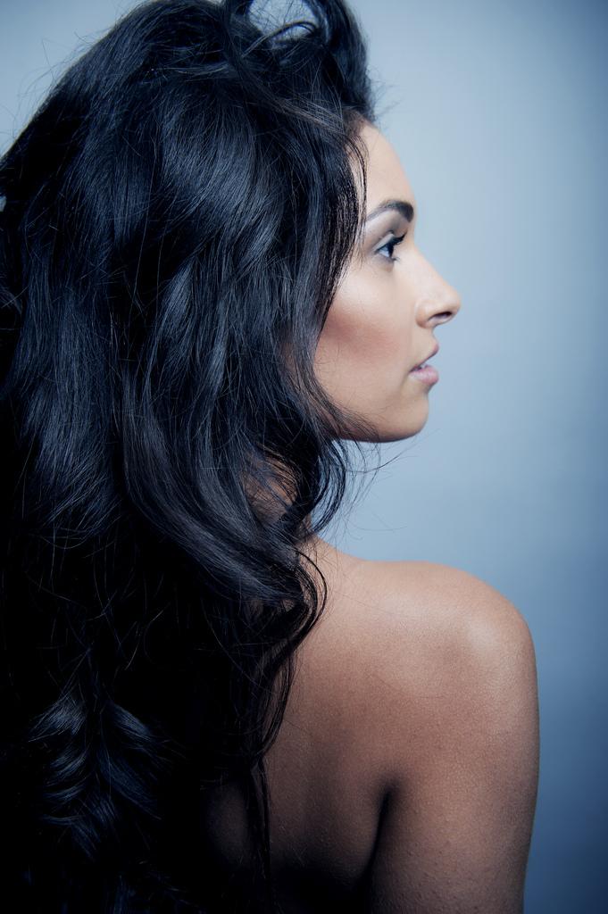 Female model photo shoot of Amanda Sharkey  by Alex Hutch in Bella Studios
