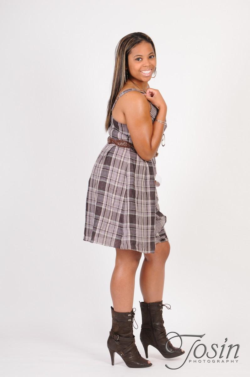 Female model photo shoot of whitney-ann