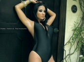 http://photos.modelmayhem.com/photos/101205/16/4cfc32c96b3a6_m.jpg