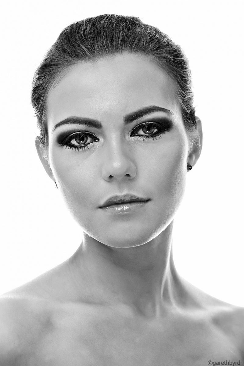 Female model photo shoot of Martha.B by Gareth Byrd in Celbridge