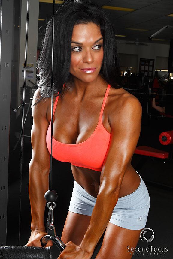 Power of Fitness Gym, Palm Desert CA Dec 15, 2010 SecondFocus 2010 Fitness Model Angela Segovia