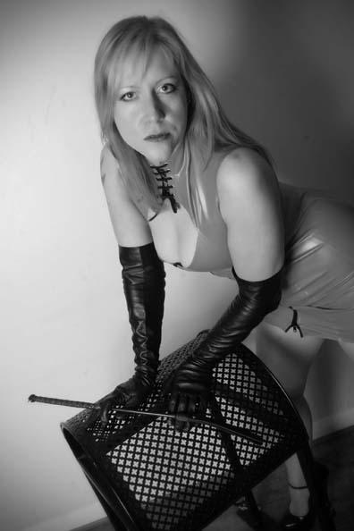 Female model photo shoot of Helen Ryder in West Sussex
