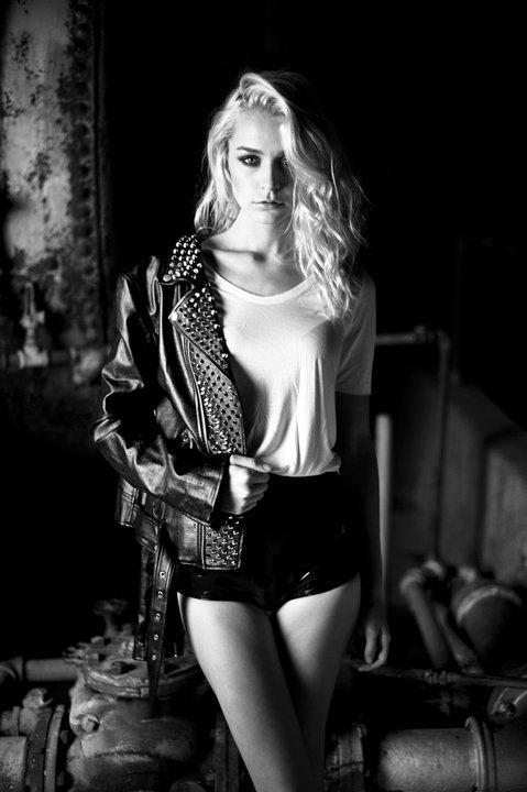 Female model photo shoot of Kate Compton