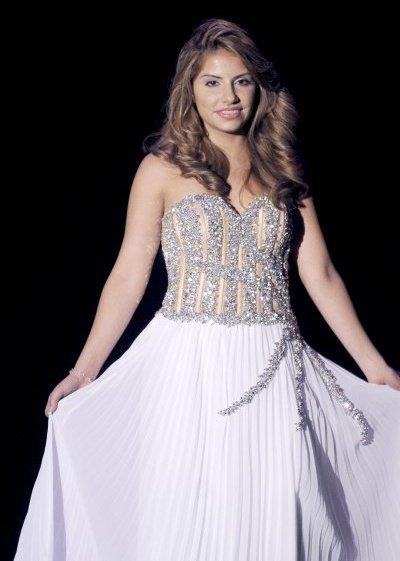 Female model photo shoot of Jennifer Couso