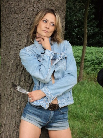 Male and Female model photo shoot of Aeynisus Photography and model alyssab in Nachtegalenpark Antwerpen
