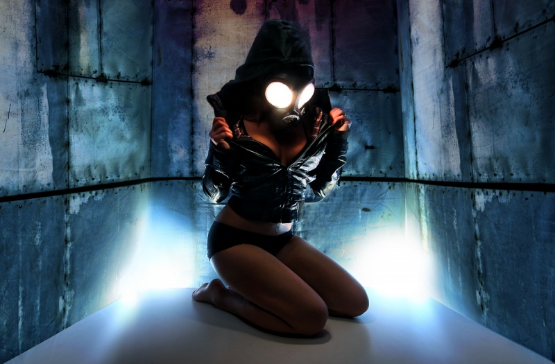 Dec 22, 2010 www.coltononushko.com Ember eyes - the gas mask is not photoshopped, theres a flash inside of it