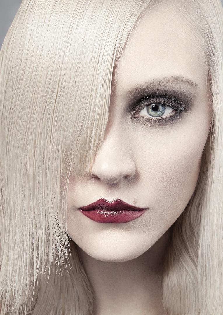 Studio Dec 24, 2010 James Dewar-Haggart The Gothic Barbie Look ;)