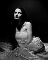 http://photos.modelmayhem.com/photos/101226/00/4d16fa6fc2779_m.jpg