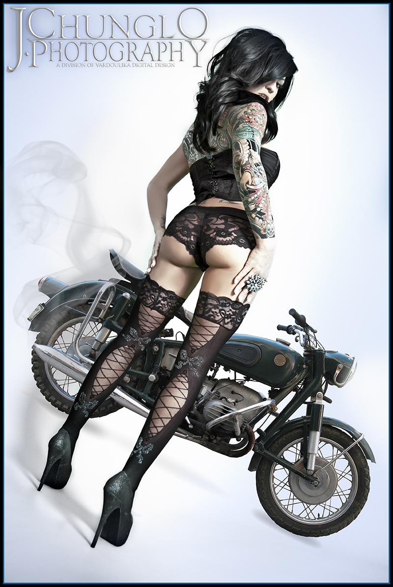 Studio Dec 27, 2010 Jonathan Andrew Chunglo/Vardoulika Digital Design Motorcycle Queen - Bella