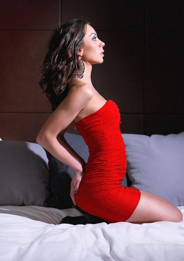 Female model photo shoot of shenel es by V  I   O