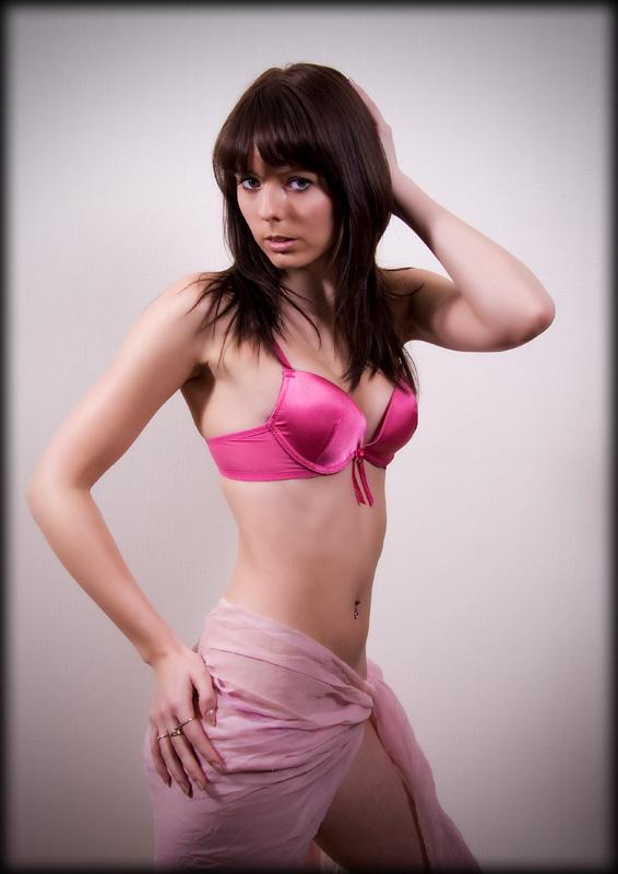 Female model photo shoot of michellemodel smith