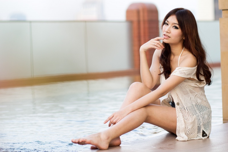 Female model photo shoot of Khainui