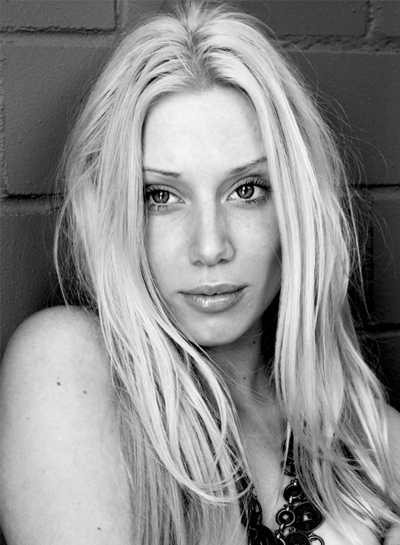 Female model photo shoot of Yvette W