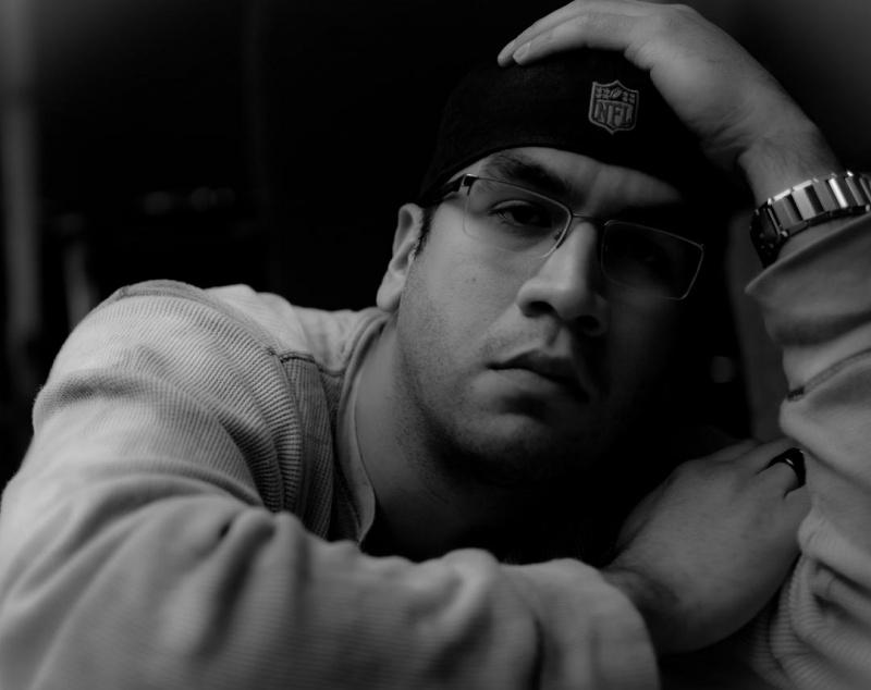 Male model photo shoot of illa_noize