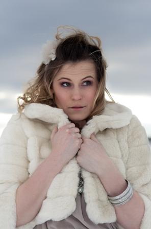 Female model photo shoot of Angela Moody