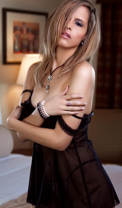 Female model photo shoot of AliciaNichole