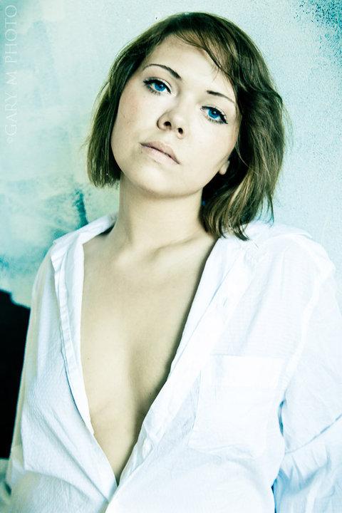 Female model photo shoot of nadia1336